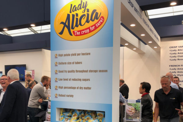 Meijer Potato - Lady Alicia creatieve bijdrage Potato Europe stand